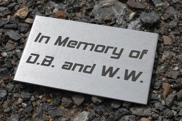 Gravur auf Metallschild bis 15 x 5 cm Kundenmaterial